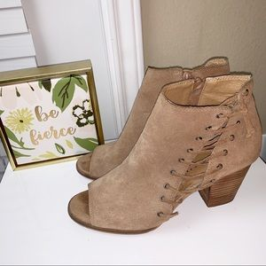 LUCKY BRAND | Hartlee Lace Side Detail Booties 7
